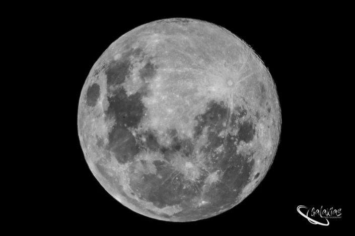 Close-up photo of the moon on the 7th April 2020