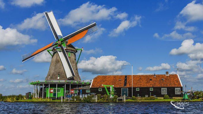 Windmolen was taken in the Netherlands